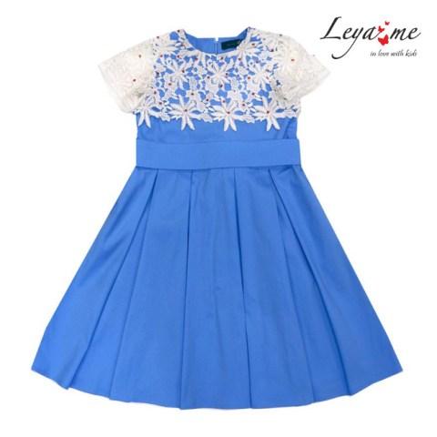 Платье голубое с кокеткой из кружева
