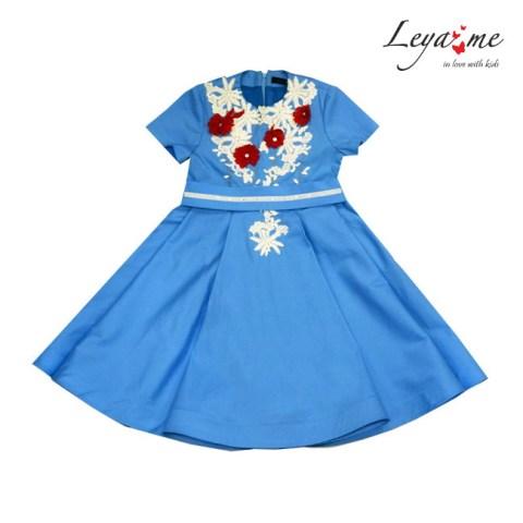 Платье голубое - бабочка с кружевом.