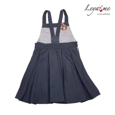 Сарафан школьный серый с пышной юбкой со складками и игрушкой-брелком в кармане