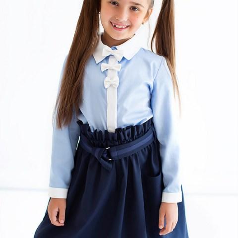 Блузка голубая школьная с белой планкой и бантами