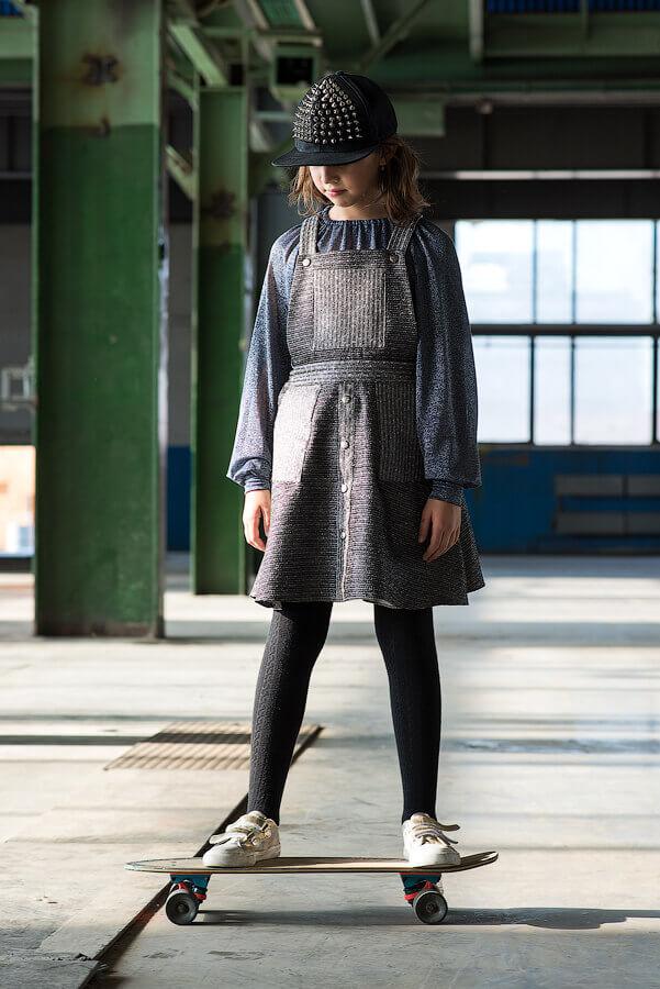 Топ из люрекса на девочку серебристо -синий с длинным рукавом