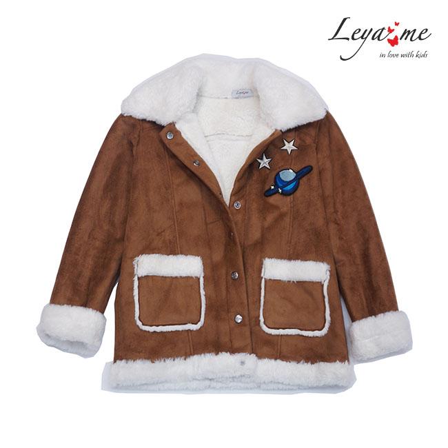 Куртка-дубленка детская с нашивками на мальчика