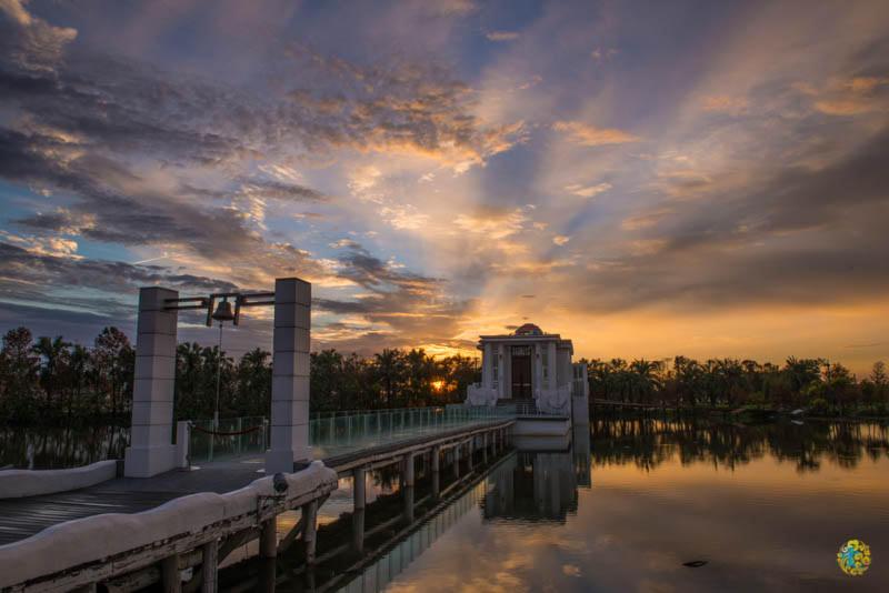 宜蘭住宿推薦》香格里拉冬山河渡假飯店 – 夢幻地中海風 美麗的永恆水教堂