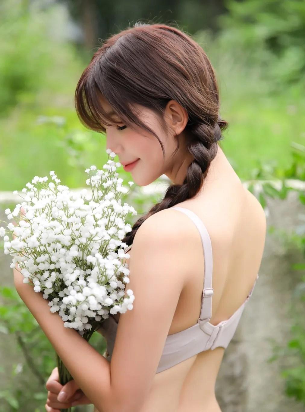 Cha Yoojin / NUDMALL / September 2021 / Hug Me Lingerie