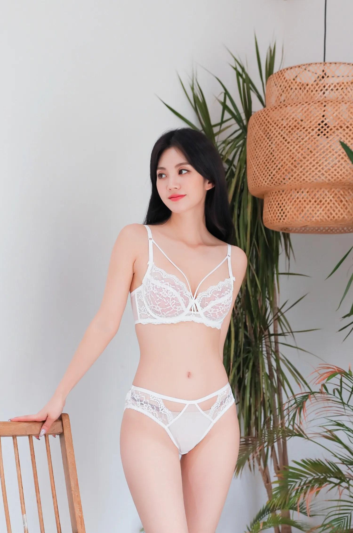 Lee Chaeeun / NUDMALL / July 2021 / Bloom Lingerie