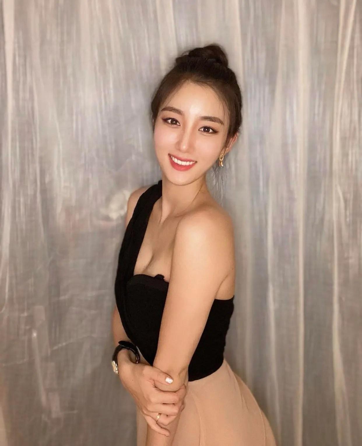 Ji-Soo Shin 😍 (formerly of girl group Tahiti)