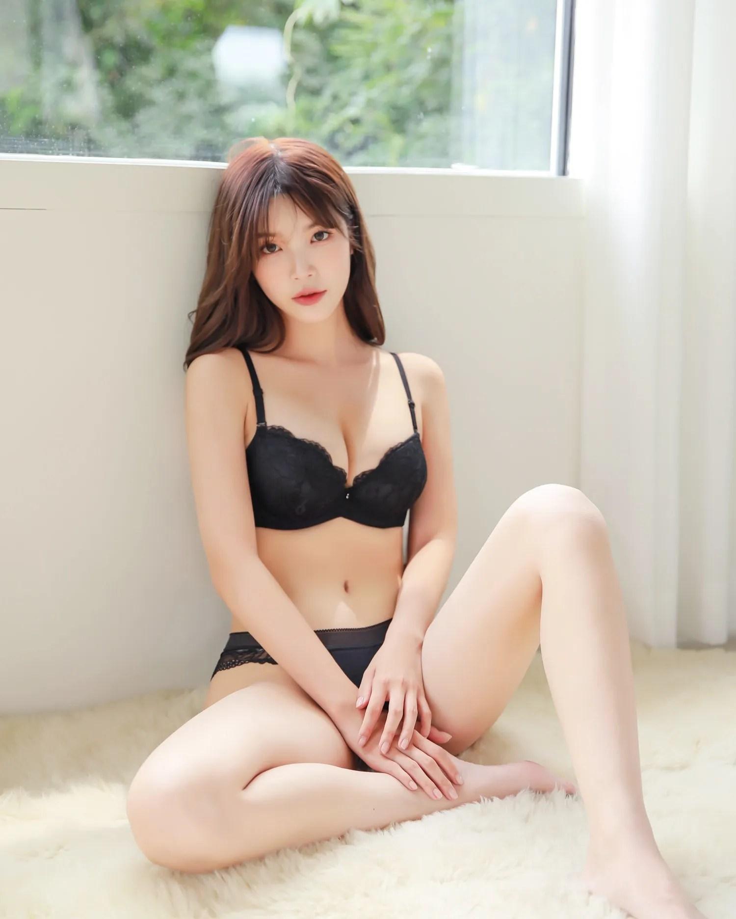 Cha Yoojin / NUDMALL / September 2021 / Romantic Lace Lingerie