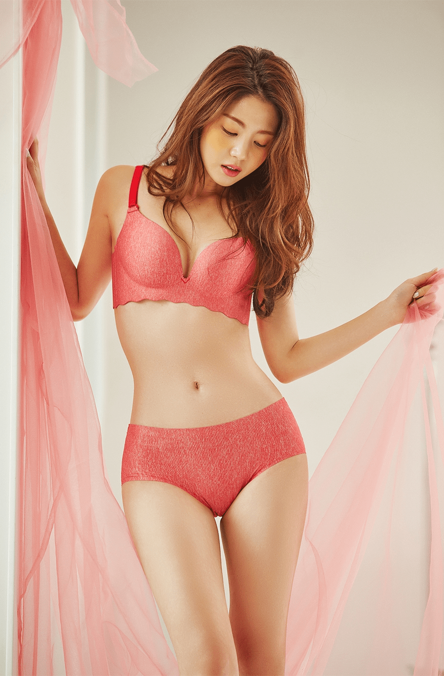 Lee Chaeeun - COME ON VINCENT - January 2019 Lingerie Studioshoot (full set in comments)