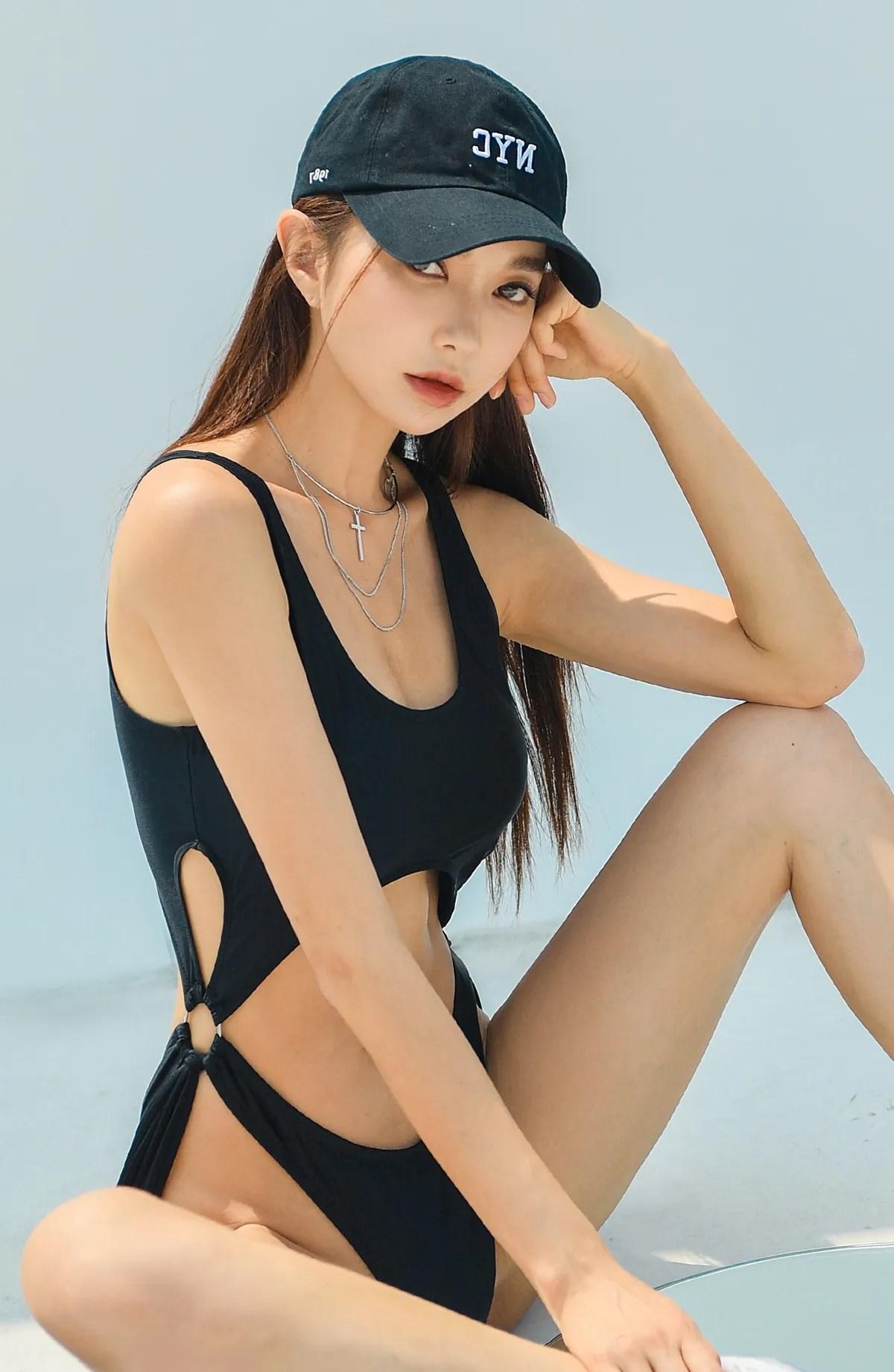 Park Suyeon / vendis / September 2021 / Kir Monokini