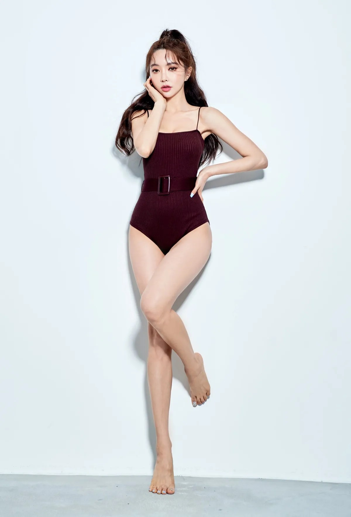 Park Suyeon / vendis / March 2021 / Indoor Beachwear Photoshoot Part 1