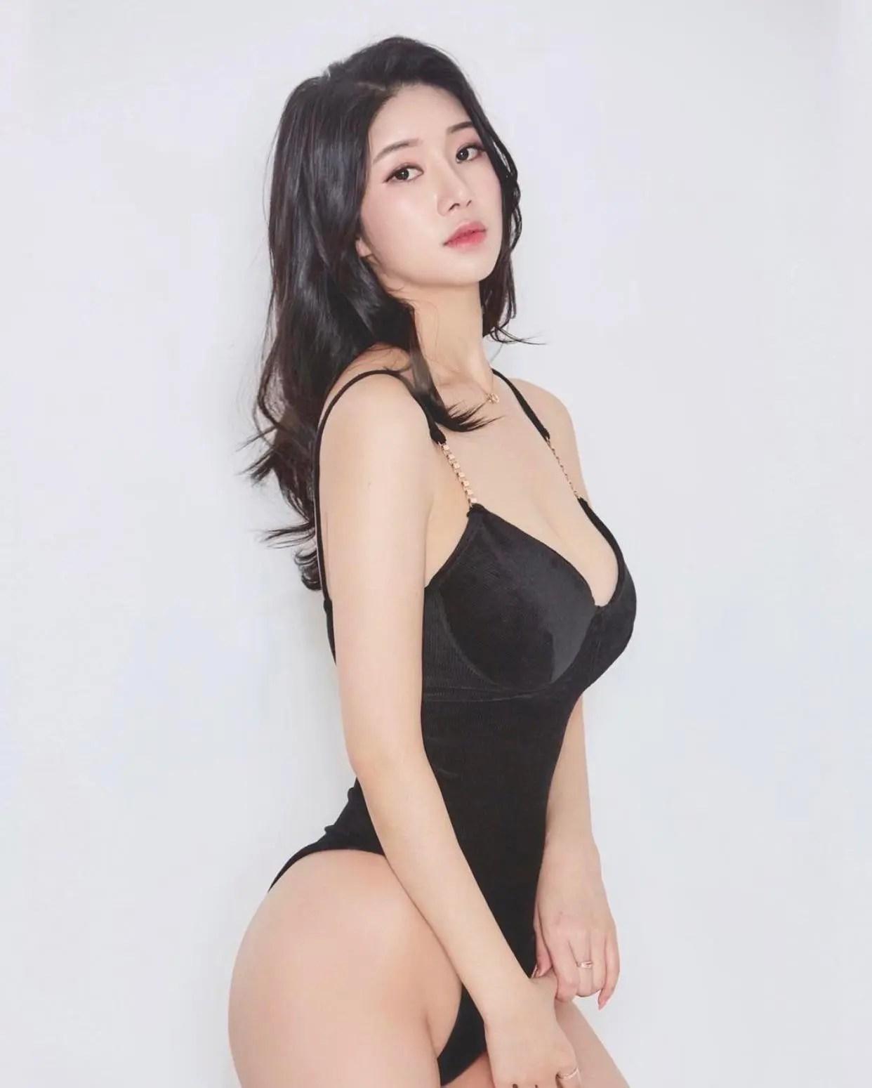 Yen (Instagram profile in comments)