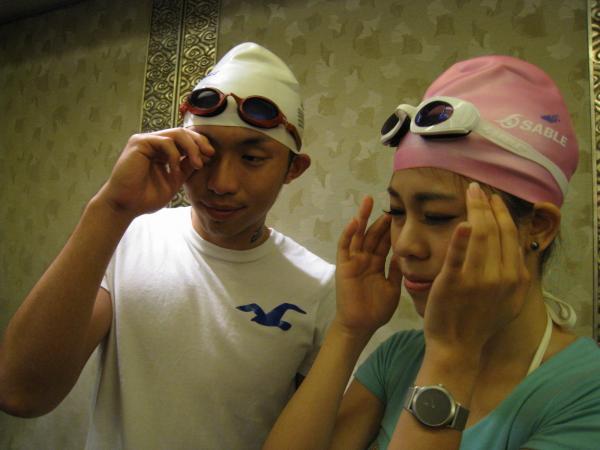 選錯泳鏡 小心游完頭暈目眩 - 生活 - 自由時報電子報