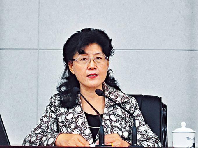 中共中央黨校前教授蔡霞5日受訪建議,美方應進一步區分「習黑幫」與其他中共黨員。(圖擷取自微博)