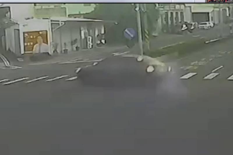遊墾丁酒駕1死1命危畫面曝光。(警方提供)