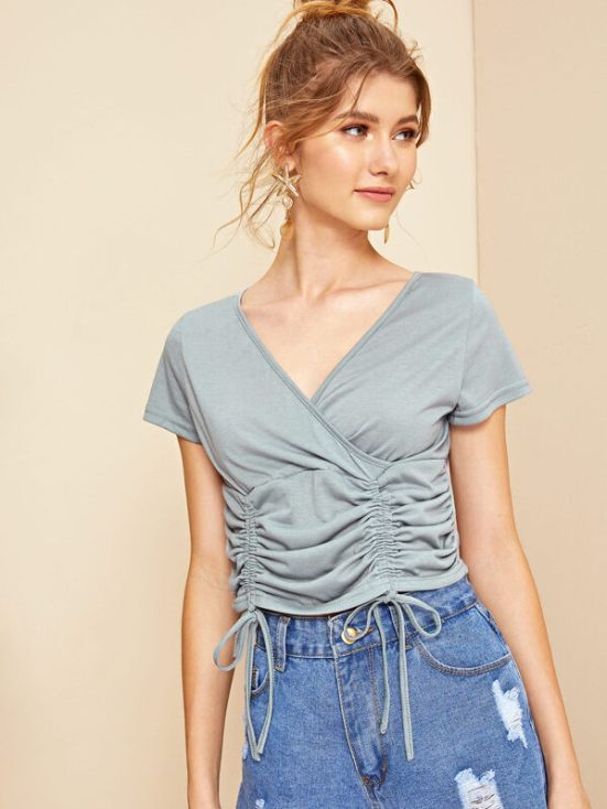 8 Crop Top Ideas For The Curvier Woman To Flaunt