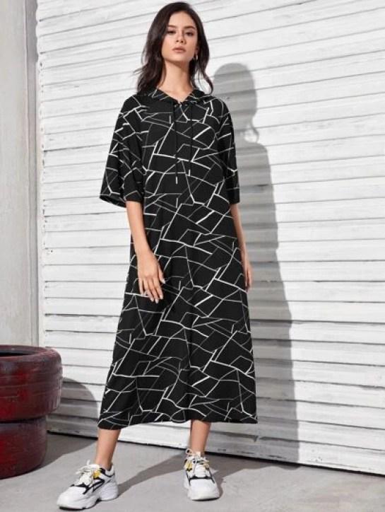 Robe à capuche avec imprimé géométrique