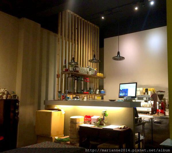 台中北區美食|菲淇士義式廚房.Lophil's @一中商圈