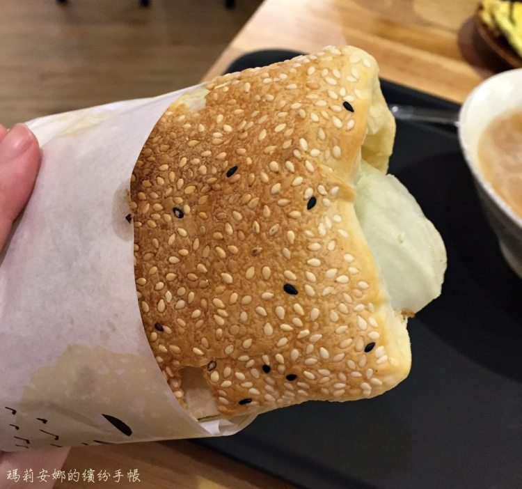台中西區|日正豆漿-手工現桿燒餅皮-科博館、sogo週邊早餐、宵夜新選擇