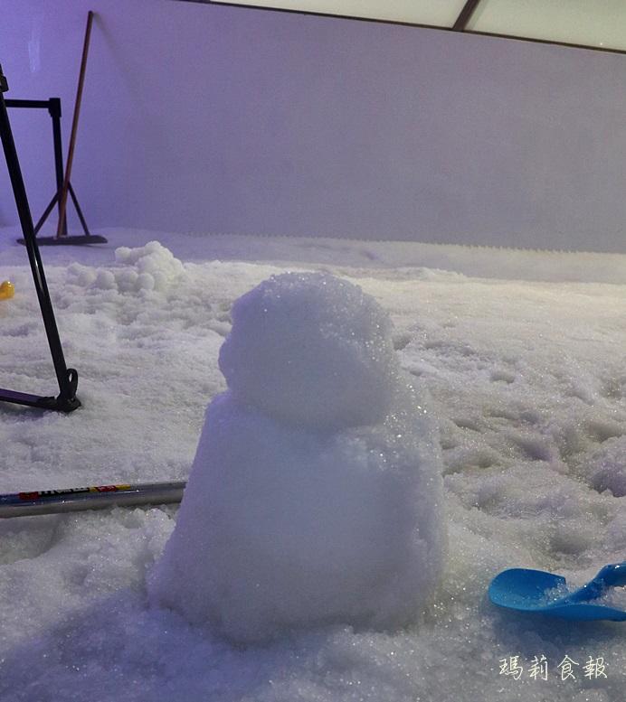 台中三井雪樂地,全台第一家恆溫20度雪場,台中就能堆雪人打雪仗,台中三井OUTLET,台中親子景點,台中堆雪人