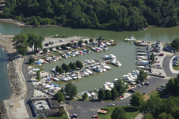 Chagrin Lagoons Yacht Club In Eastlake OH United States