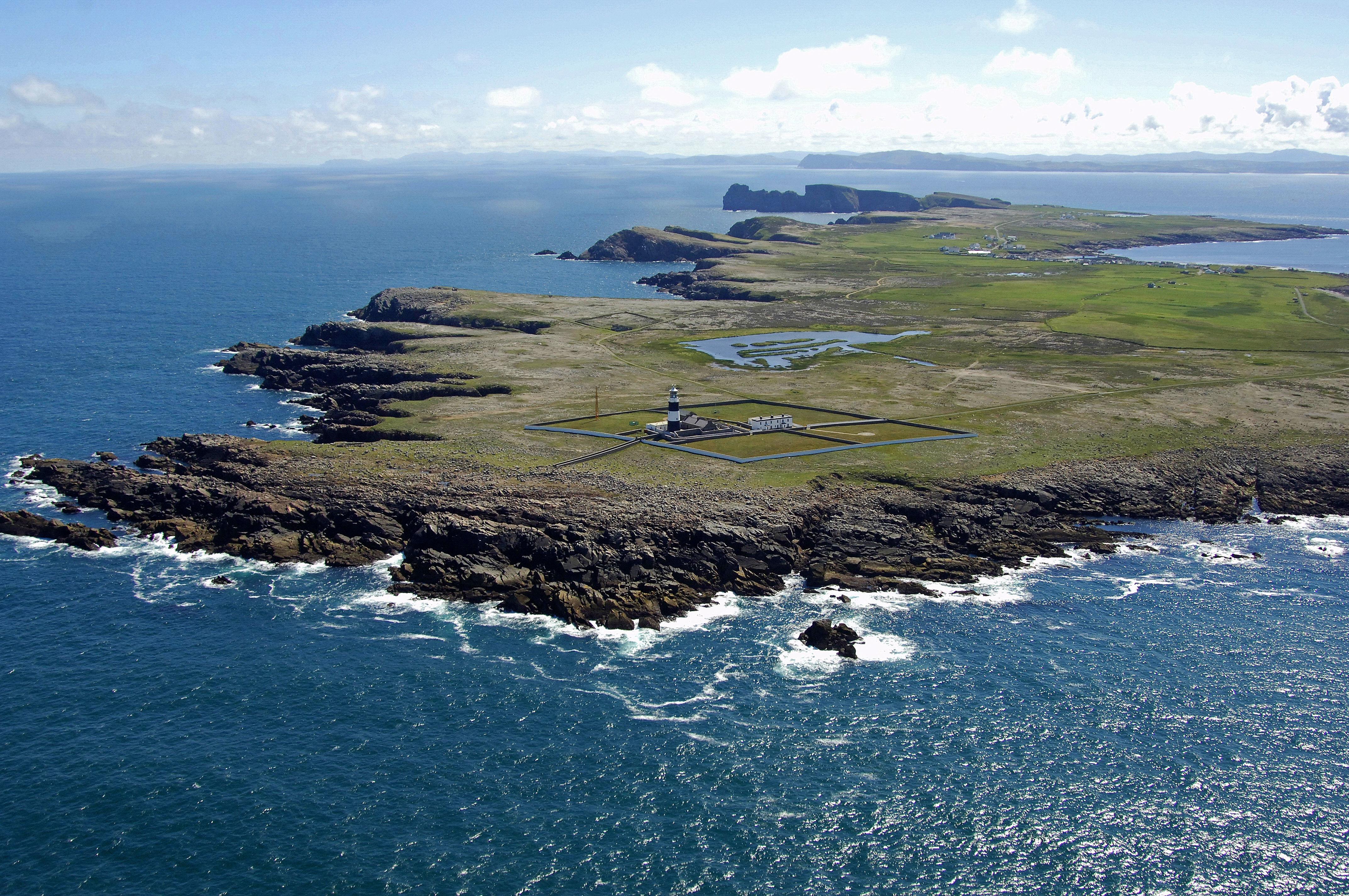 Tory Island Light Lighthouse In Near Magheroarty Western