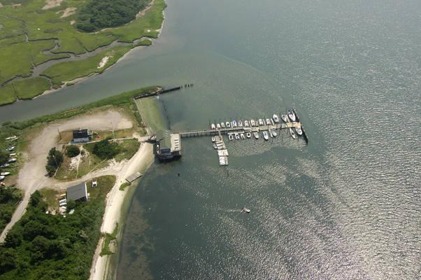Cedarhurst Yacht Club In Lawrence NY United States