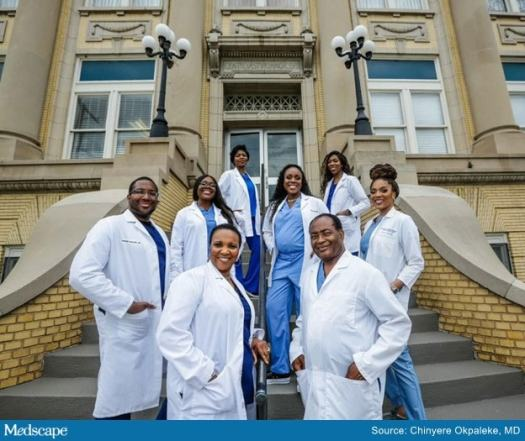 Dad, Mom, and 7 Kids, All Docs or Nurses, Go Viral With Photo 2