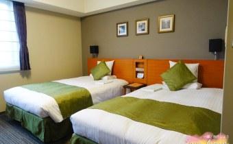 日本》京都飯店HOTEL MYSTAYS四條:房間大採光好門口就有公車站交通超方便