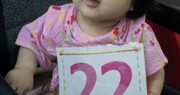 丁丁藥局寶寶爬行比賽,小妮的爬行比賽初體驗