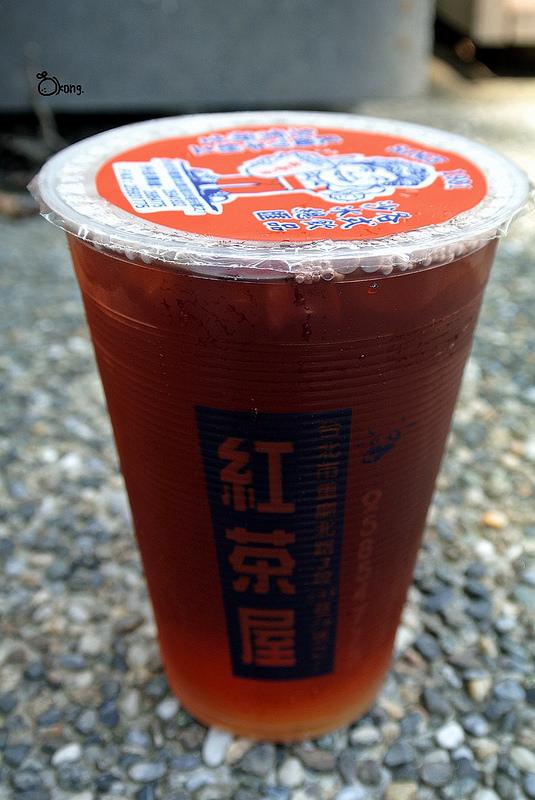 捷運圓山站美食 紅茶屋 30年歷史 便宜又大杯的飲料店就在這裡啦 !!!