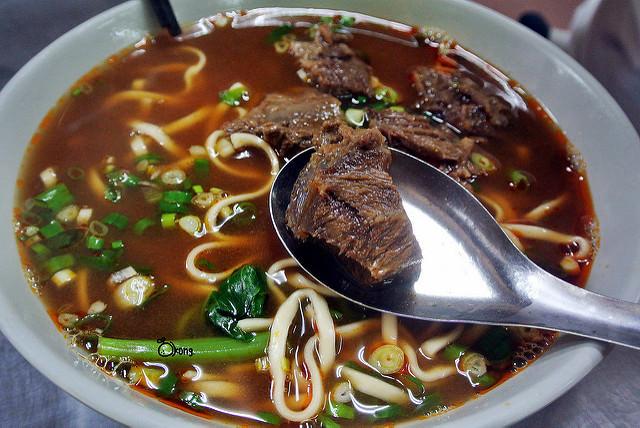 台中南區美食   老羅牛肉麵 老火羅小火鍋 堅守近五十年的傳統口味 最大碗的平價美食