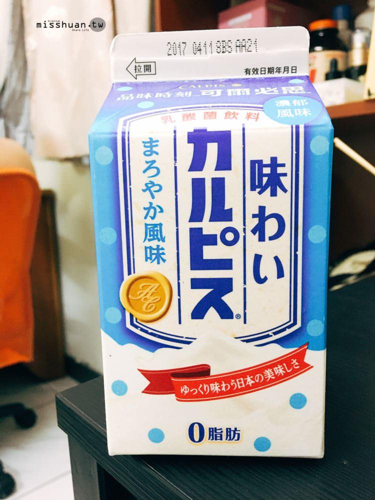 品味時刻 可爾必思 乳酸菌飲料 濃郁風味 0脂肪 便利商店平價飲料 像養樂多一樣好好喝喲 ♥♥♥