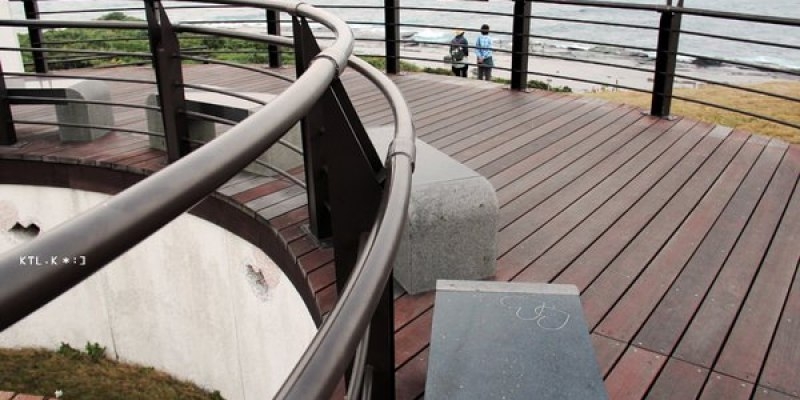 新北貢寮景點 四角窟觀景台 滿滿愛心的觀景台 台2線濱海公路107公里處 情侶遊客必來
