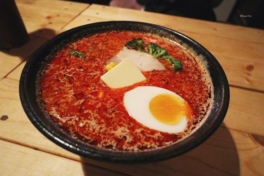沖繩那霸美食 天神矢拉麵 國際通暖暮拉麵旁巷弄中 有韓中文菜單 味噌拉麵專門店