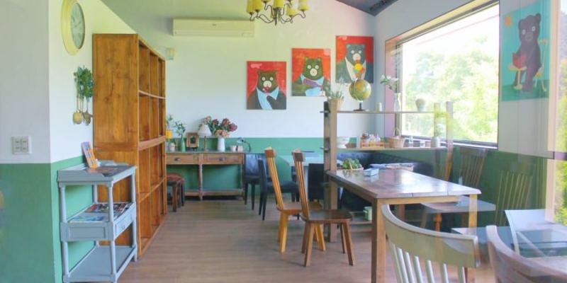 宜蘭冬山美食 小熊書房 梅花湖景觀餐廳 藝人吳淡如的店 友善親子 下午茶 咖啡 牛排 鬆餅