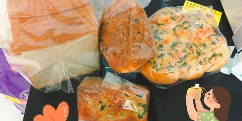 台中潭子美食 小香屋烘焙坊 可里斯烘焙坊 麵包 西點 餐盒 在地麵包小攤