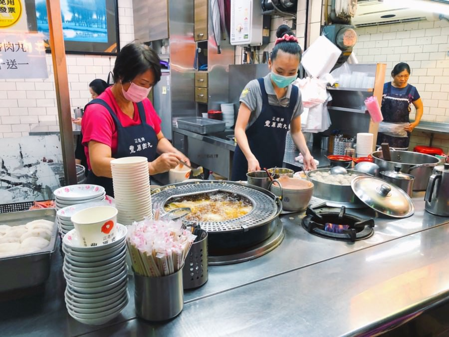 台中豐原美食 正老牌肉丸 廟東夜市小吃 就是要一碗貢丸湯與肉圓的好滋味
