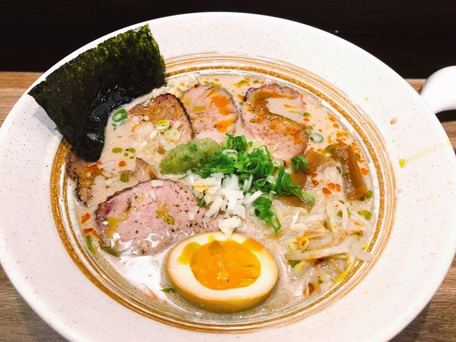 捷運大橋頭站美食 富山天滿 平價拉麵 每碗不到200元就可以吃到!還有日式丼飯 生魚片 開胃小菜