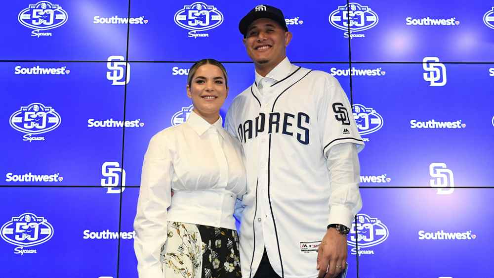 Manny Machado y su esposa, Yainee Alonso (Vía Getty)