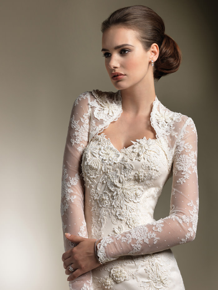 gorgeous-lace-sweetheart-wedding-dress-long-sleeve-jacket-2