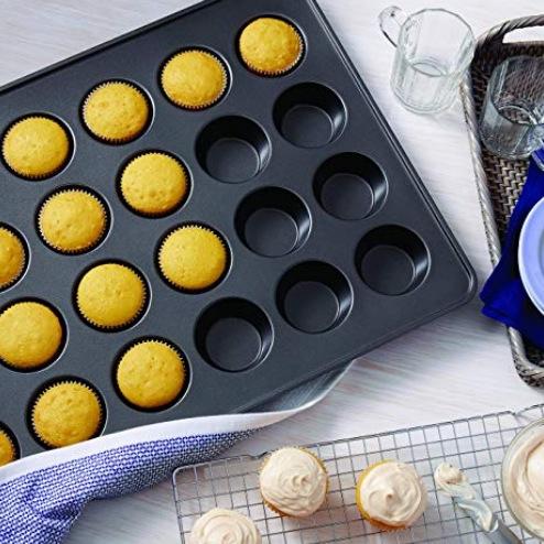 Wilton Non-Stick Mega Muffin and Cupcake Baking Pan