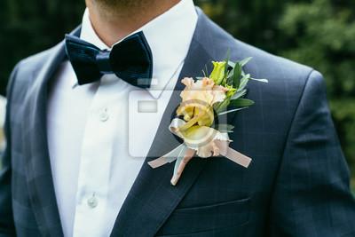 Brautigam Anzug Herrenmode Mit Fliege Hochzeitsideen Fur