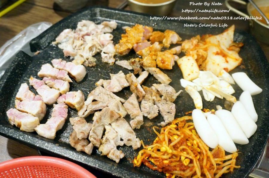 【旅遊✈韓國】釜山自由行│釜山大學美食‧숙성고燒肉吃到飽。1人燒烤吃到飽只要11000韓元!還有小菜、大醬湯、咖哩、海苔拌飯無限吃