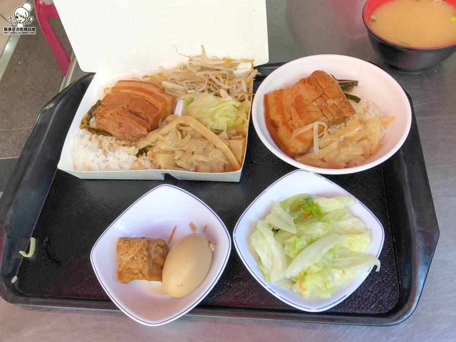 飄香將近50年的郭家肉燥飯,北高雄超人氣肉燥飯、焢肉飯