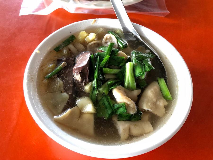 常常撲空賣完的庶民美食萬來豬血湯,本館路小吃美食