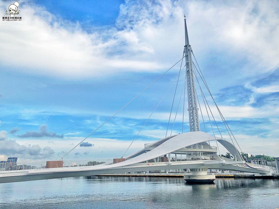 駁二藝術特之高雄港大港橋,全台首座、亞洲最長的跨港旋轉橋|高雄打卡新景點