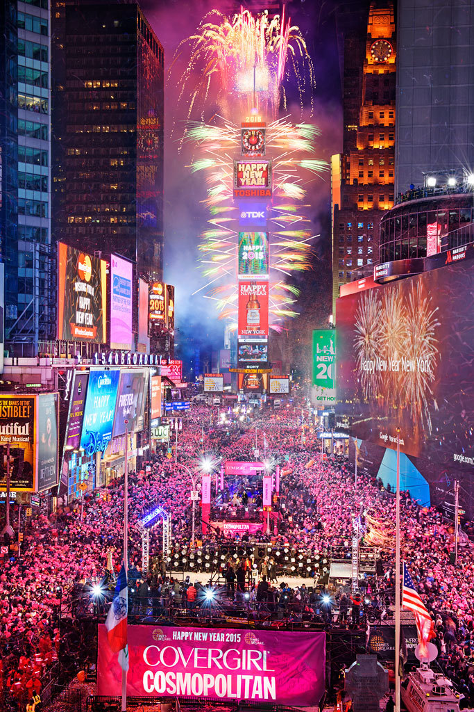 New Year s Eve 2016 on Livestream