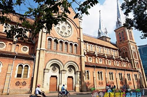 越南、胡志明市|胡志明市聖母院大教堂Notre Dame Square(紅教堂)