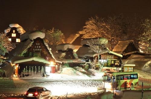 白川鄉合掌村點燈之旅.冬日遺落在深山中的薑餅屋