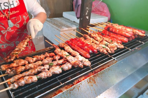 三重夜市|瑪拉桑原住民山豬肉香腸.山雞肉串